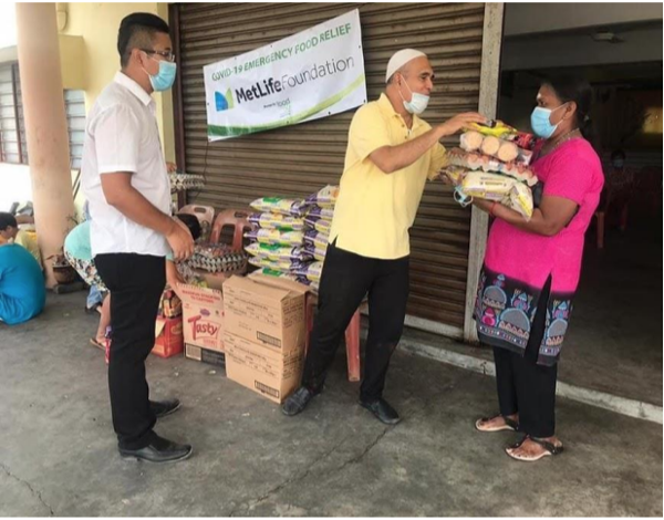 MetLife Foundation supports Food Aid Foundation in providing food supplies for the B40 families affected by COVID-19